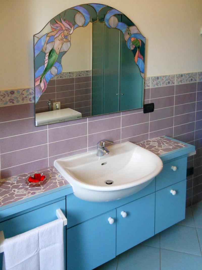 Bagno In Camera Con Vetrata ~ home design, ispirazione interni e mobili