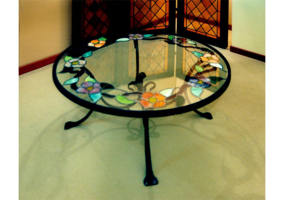 Tavolo da salotto in vetro e ferro - Tavolo ferro battuto e vetro ...