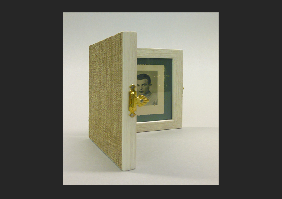Cornice a libretto vetrate d 39 arte andreini - Cornice dei mobili ...